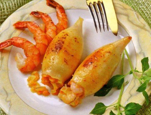 Кальмары, фаршированные креветками