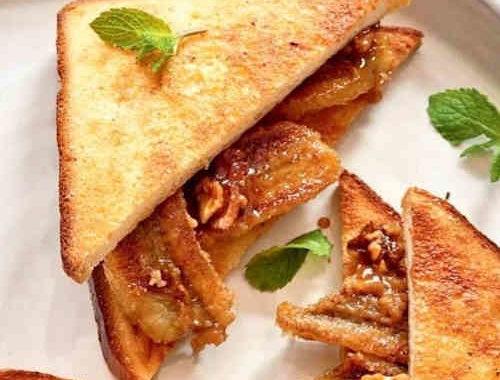 Вкусные бутерброды с карамелизованным бананом и грецкими орехами