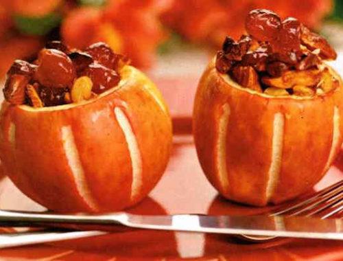 Яблоки запеченные с орехами и вишнями