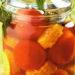 Быстрые малосольные помидоры с кукурузой