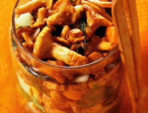 Консервированные жареные грибы с морковью