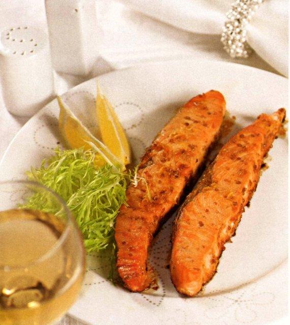 Филе лосося с кориандром и медом