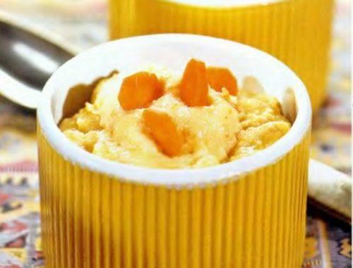 Манная молочная каша с морковью