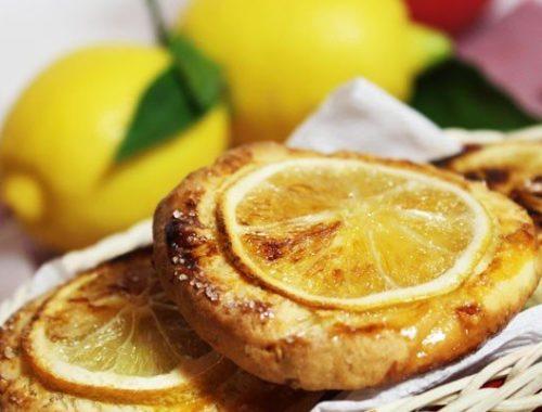 Миндальное печенье с дольками лимона