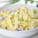 Макароны с грибами под сырным соусом