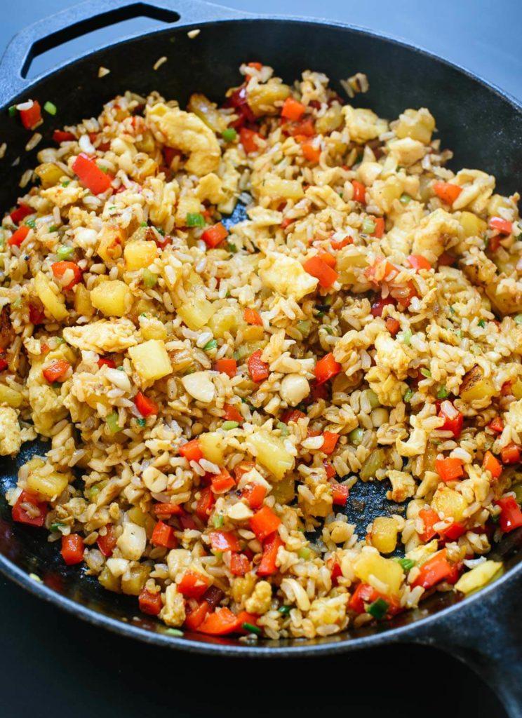 Горячий салат с рисом