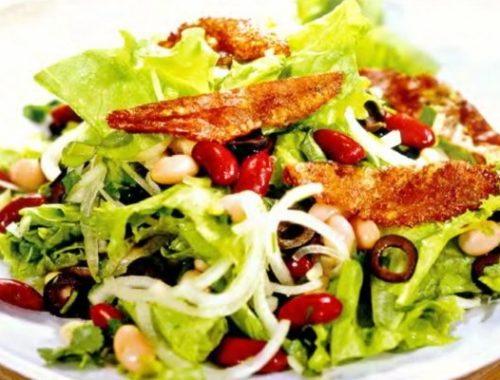 Салат из фасоли с сыром сулугуни