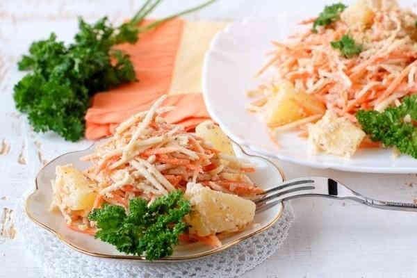 Морковный салат с ананасом