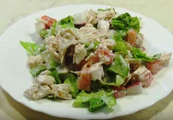 Салат с омарами и авокадо